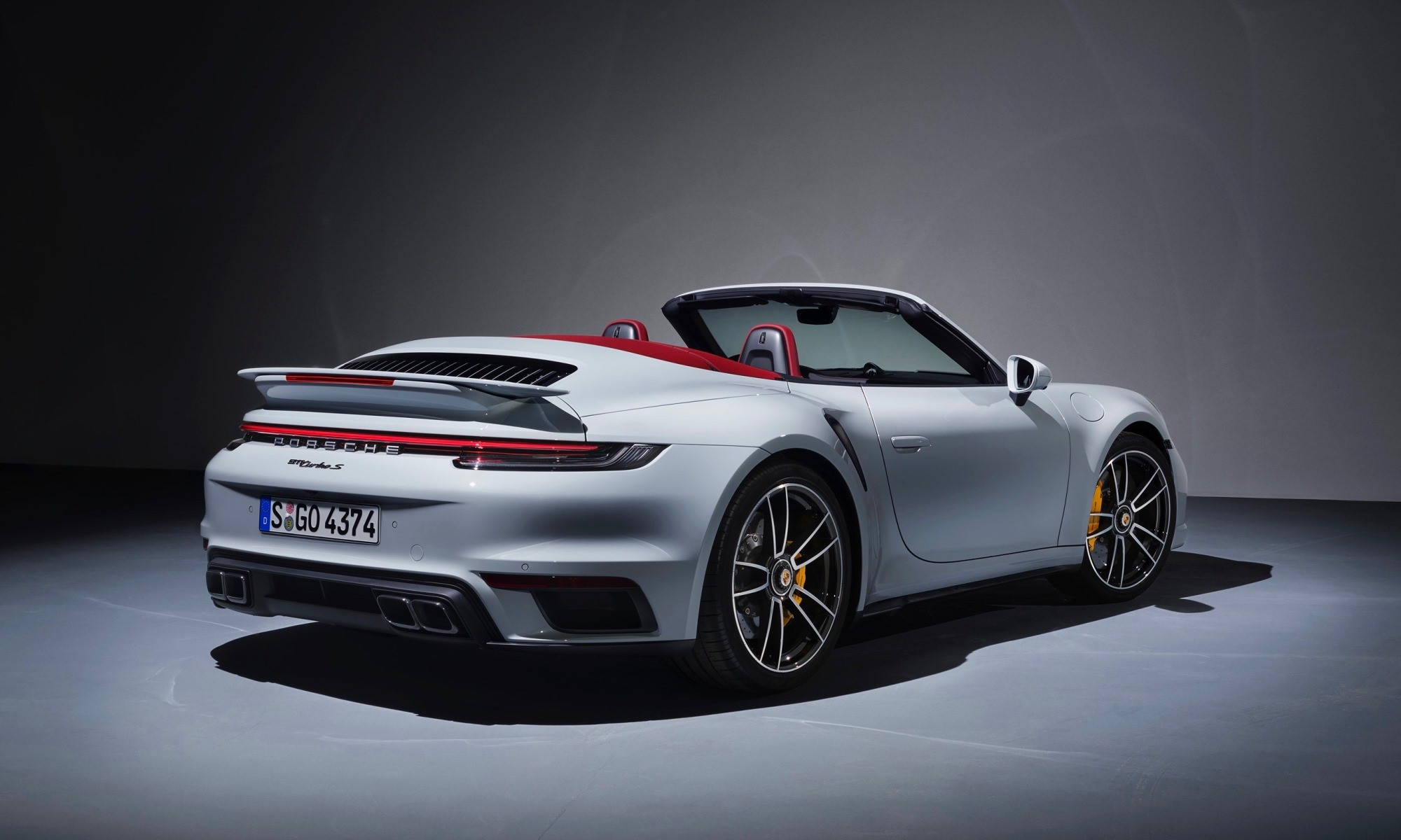 New Porsche 911 Turbo S cabriolet