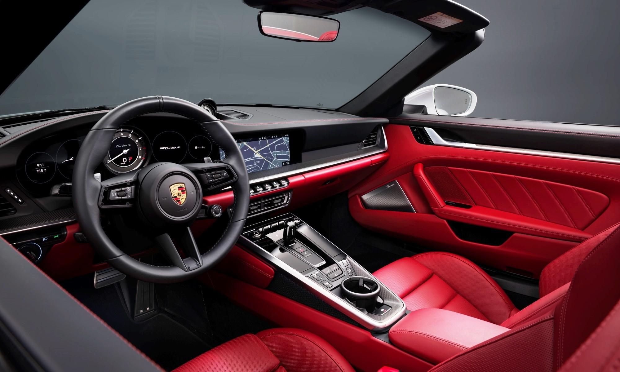 New Porsche 911 Turbo S interior