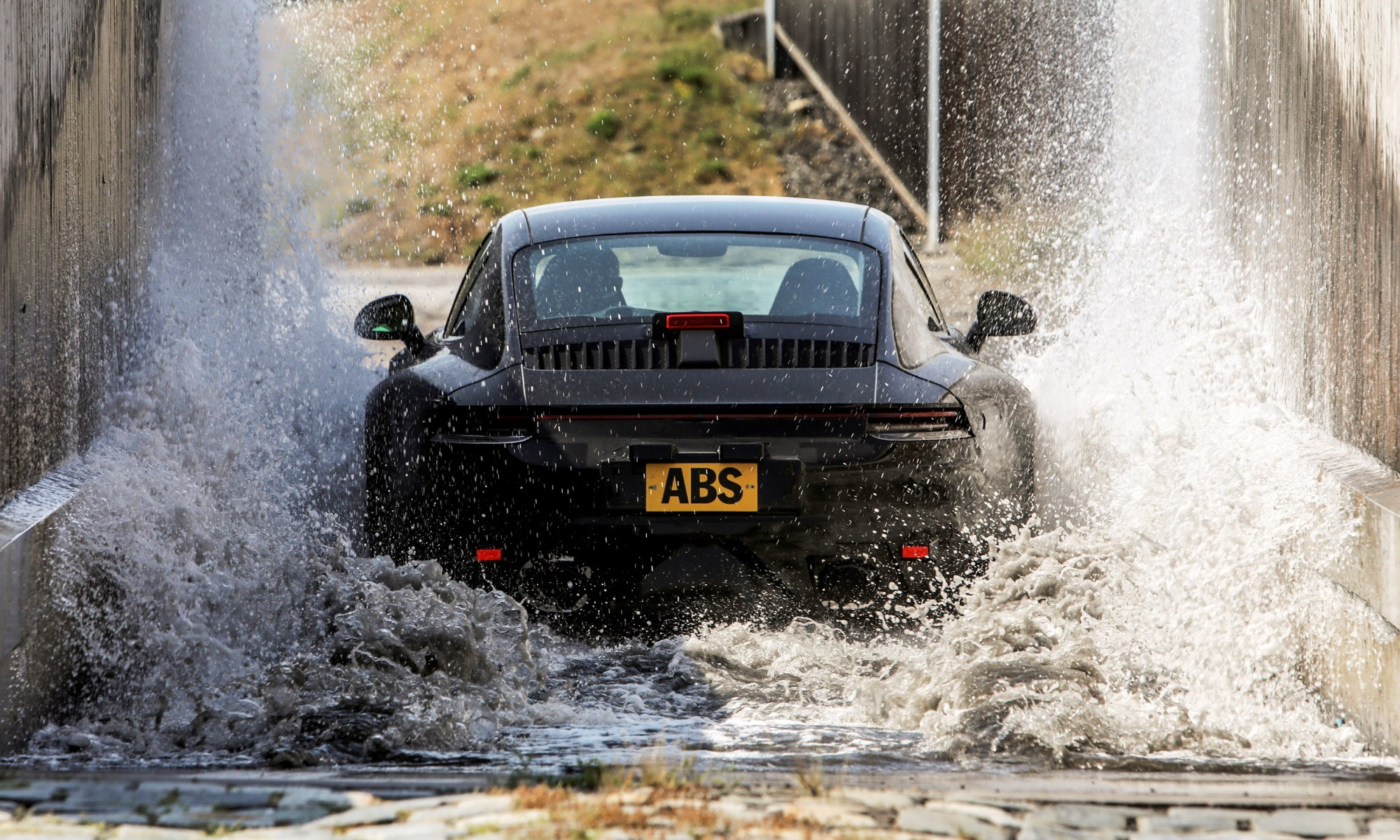 New Porsche 911 water ingress test