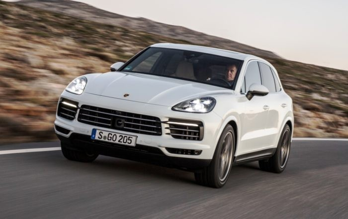 Note the headlamp design of the new Porsche Cayenne