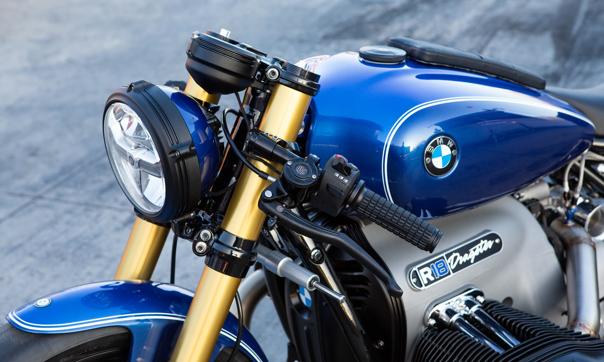 BMW R18 Dragster front