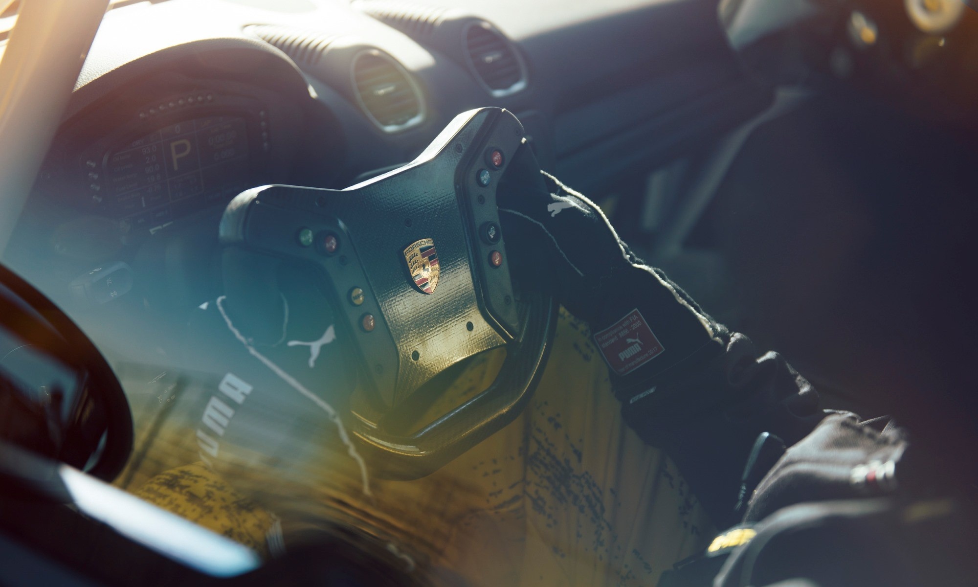 Porsche 718 Cayman GT4 Clubsport steering wheel