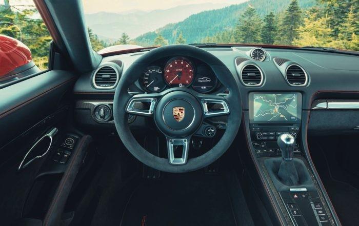 Porsche 718 GTS 4,0 Cayman interior