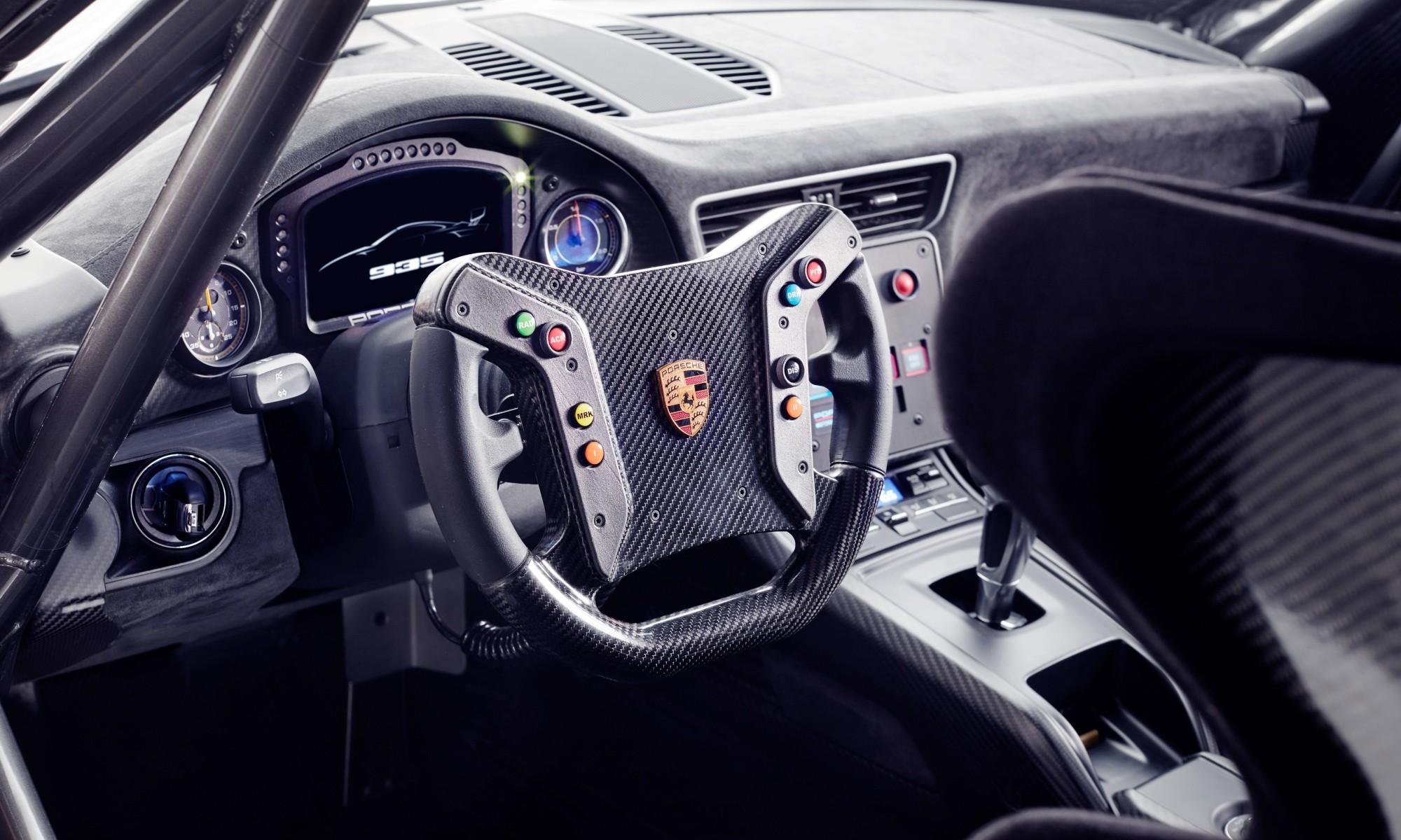 Porsche 935 Moby Dick homage interior