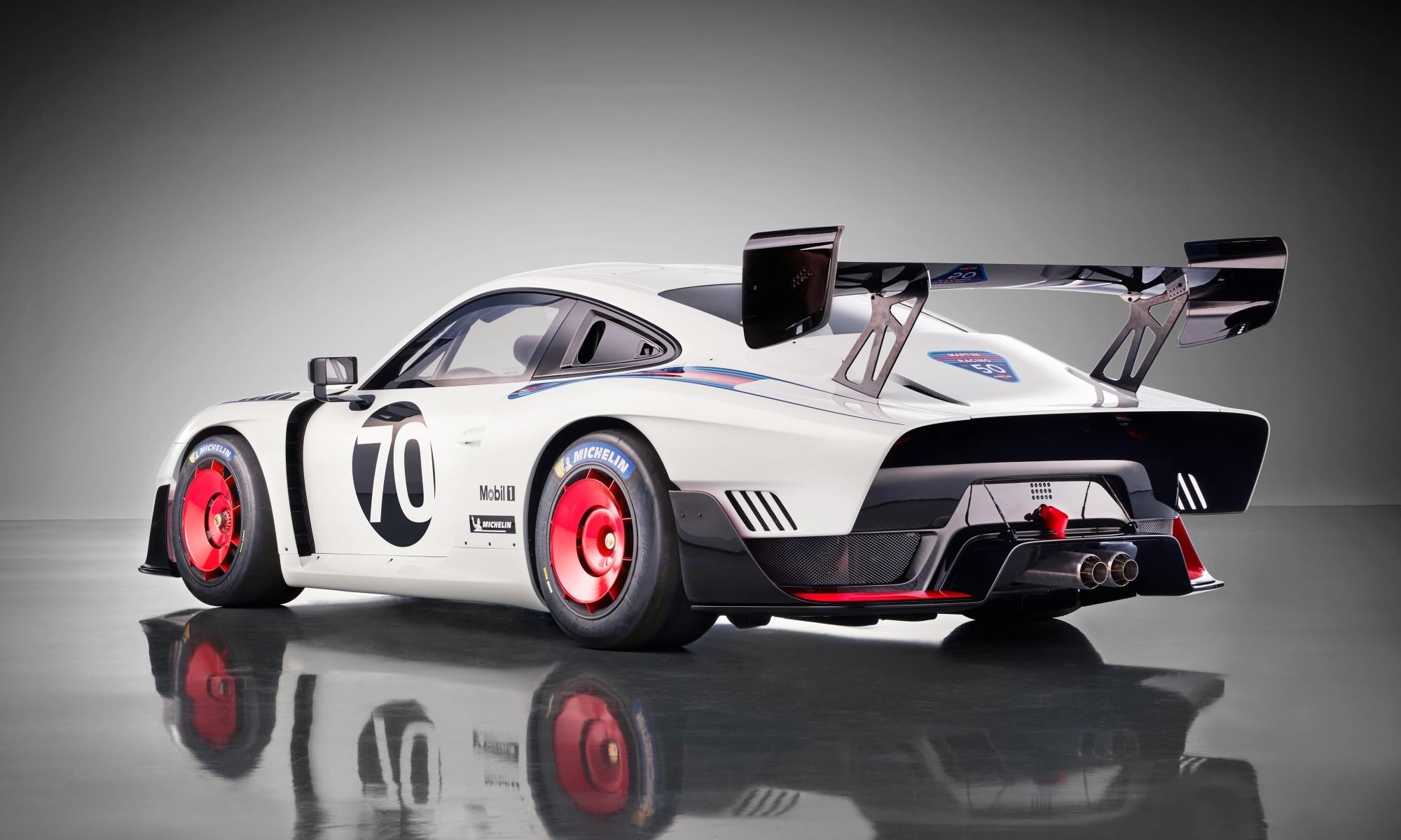 Porsche 935 Moby Dick homage rear