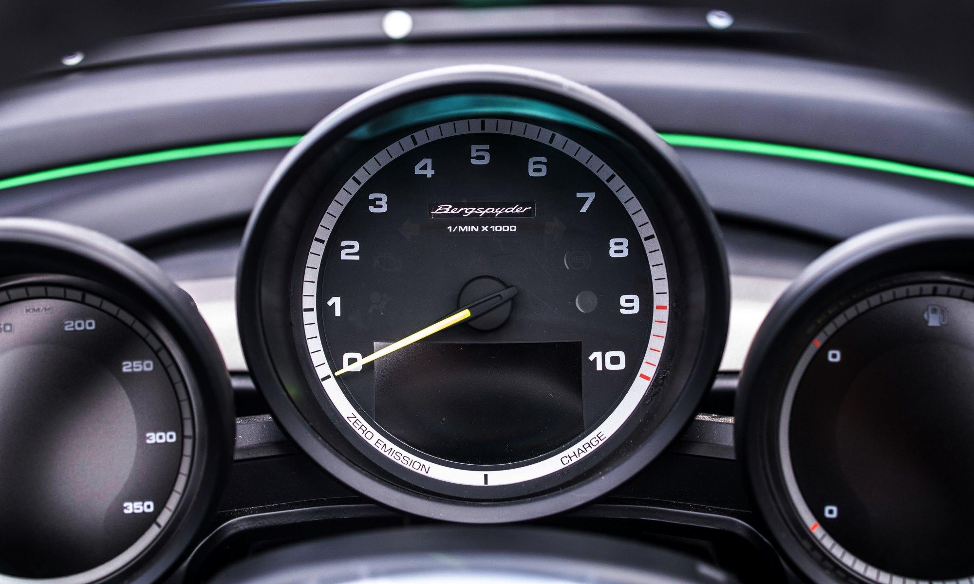 Porsche 981 Bergspyder instruments