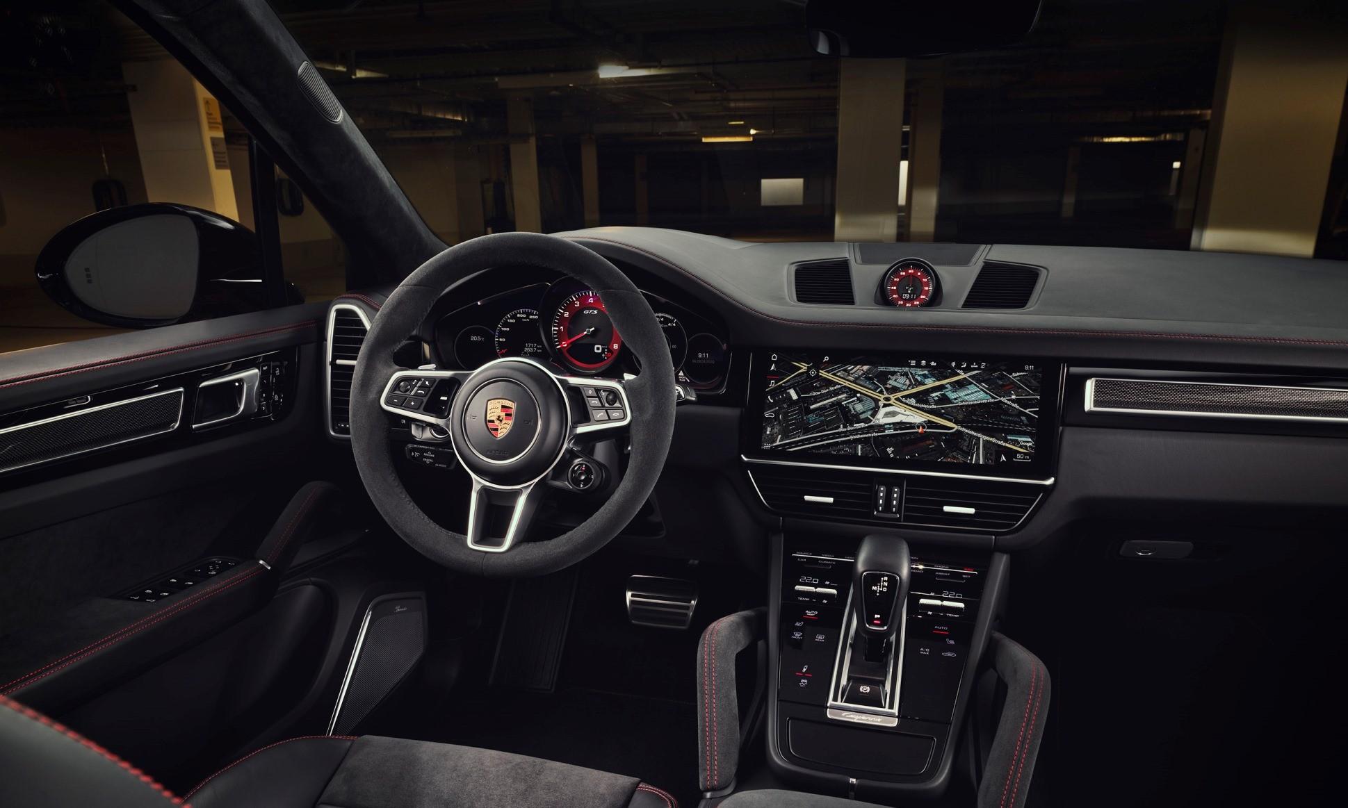 Porsche Cayenne GTS interior