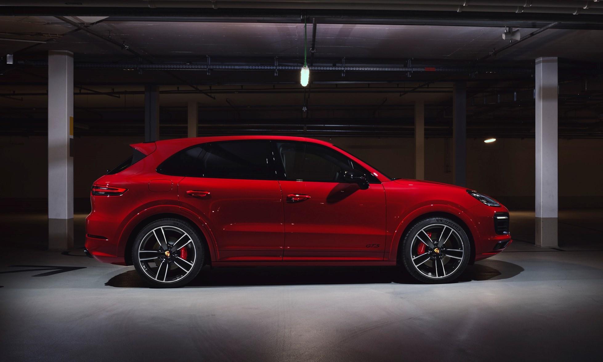 Porsche Cayenne GTS profile