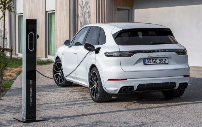 Porsche Cayenne Hybrid charging