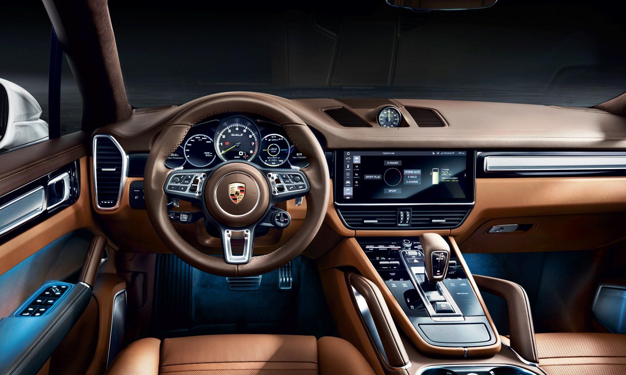 Porsche Cayenne Hybrid interior