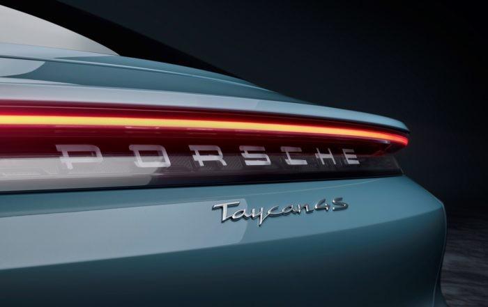 Porsche Taycan 4S badge