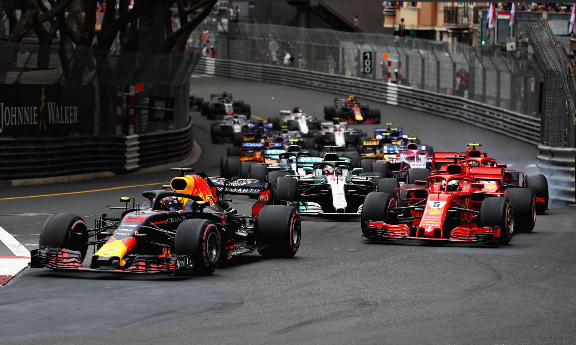 RBR driver Daniel Ricciardo lead from flag to flag
