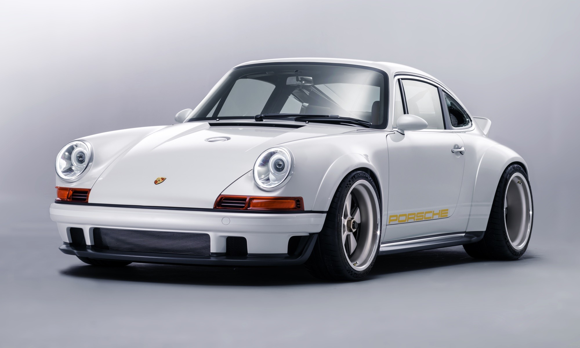 Singer Porsche Dynamics and Lightweight Study