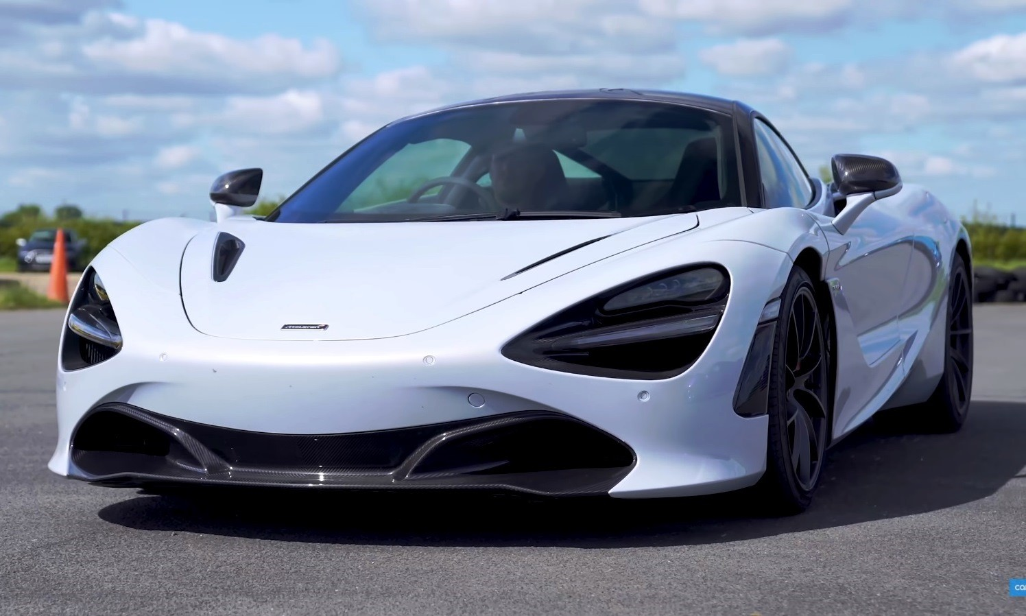 Supercar Drag Race McLaren 720S