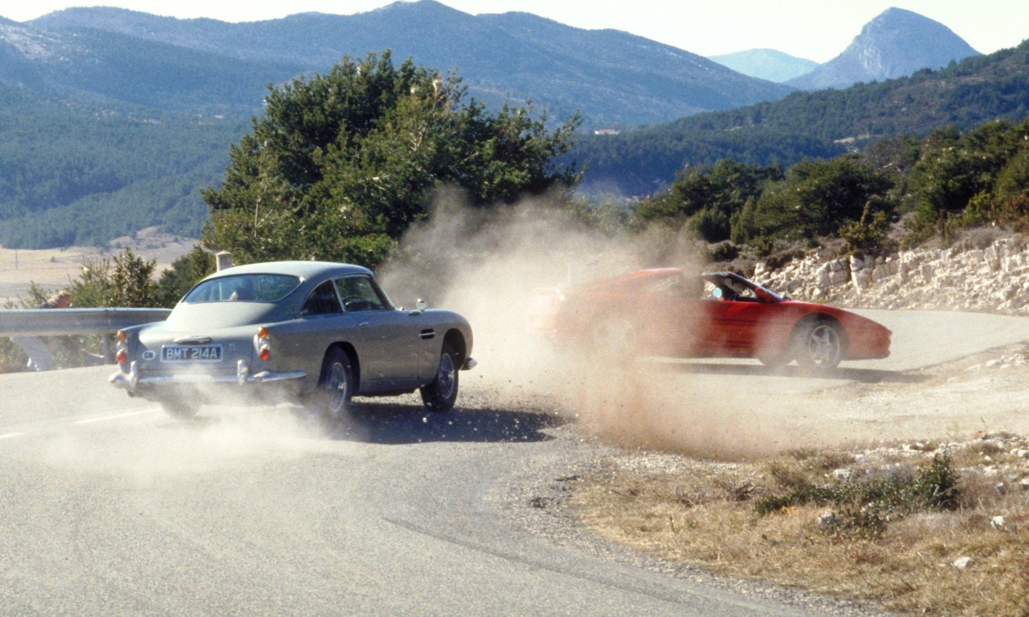 The Aston Martin DB5 chasing a Ferrari F355
