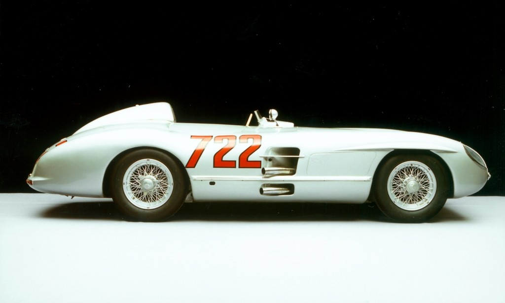 The legendary Mercedes-Benz 300SLR with the number 722 on its flank.