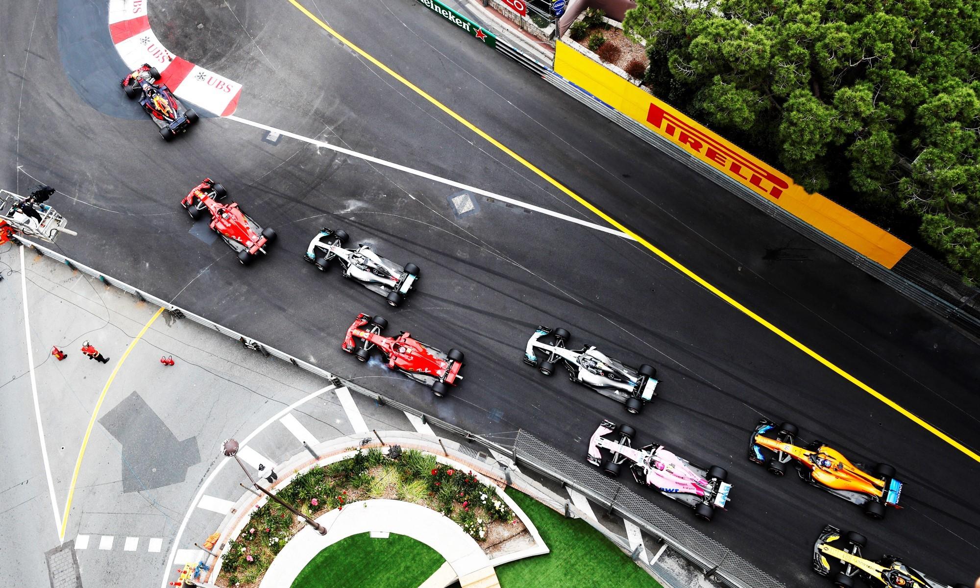 The run into T1 at the start. Image Pirelli Motorsport