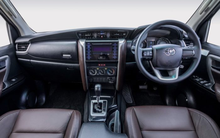Toyota Fortuner 2,4 GD-6 4x4 6AT interior