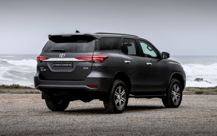 Toyota Fortuner 2,4 GD-6 4x4 6AT rear