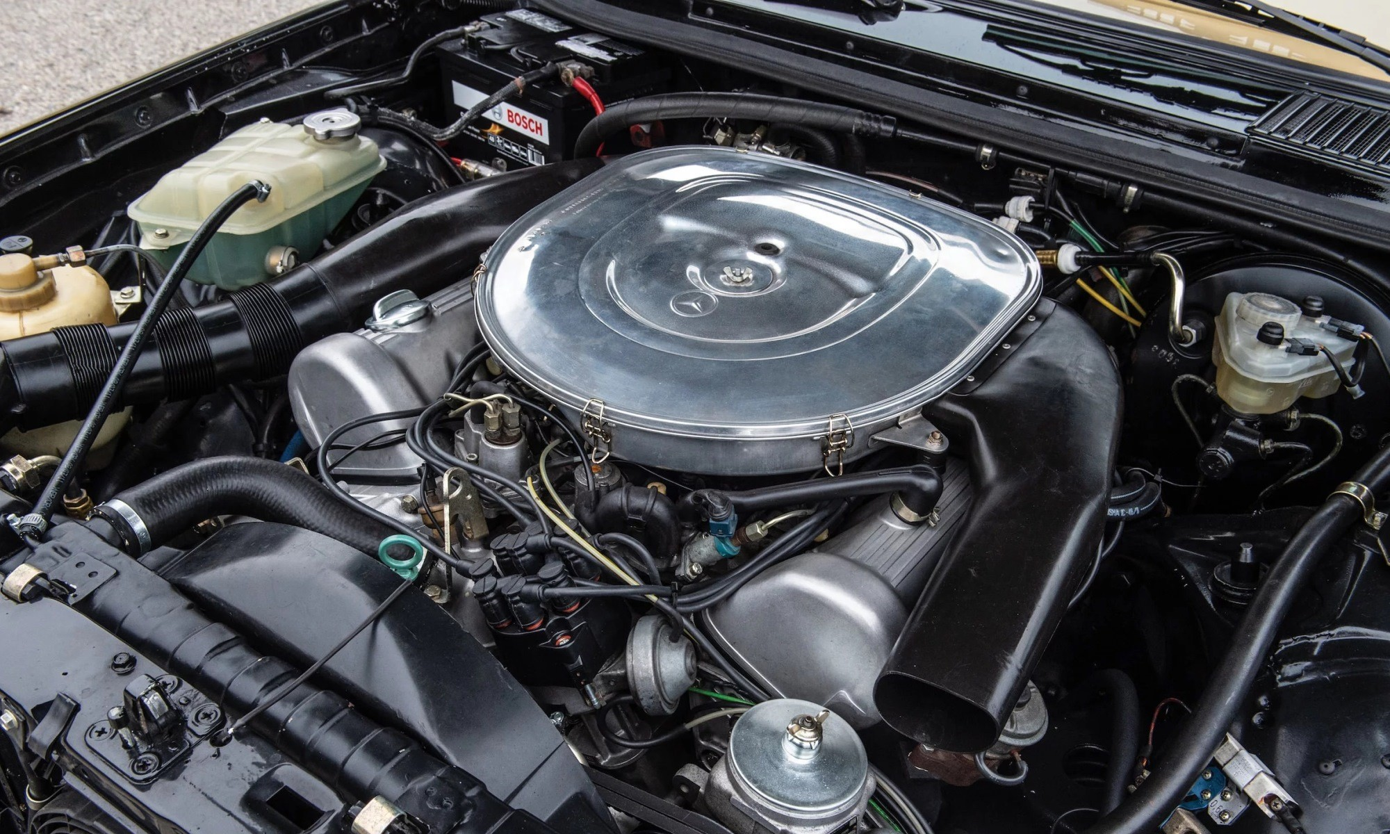 V8-powered Mercedes-Benz 500TE AMG engine