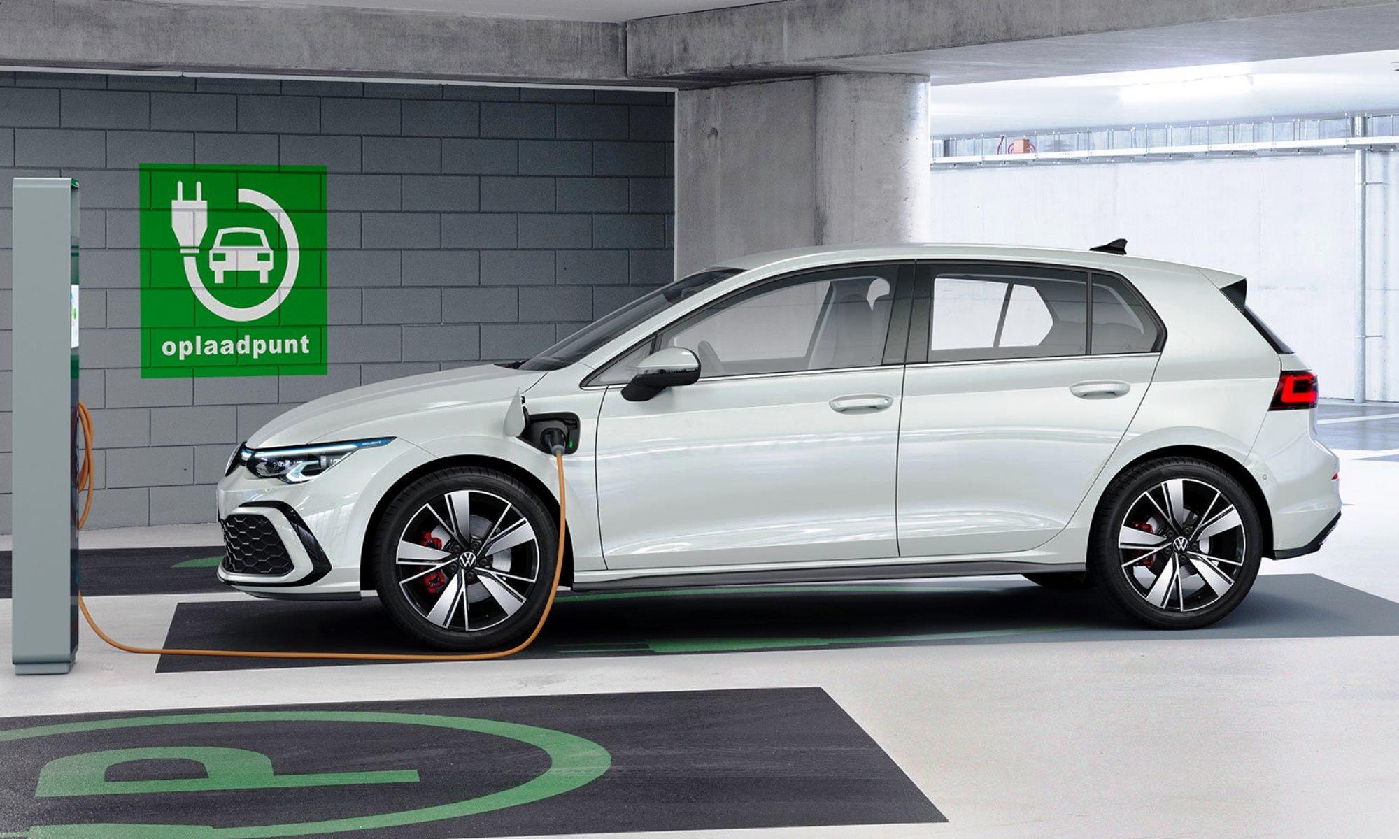 VW Golf 8 charging