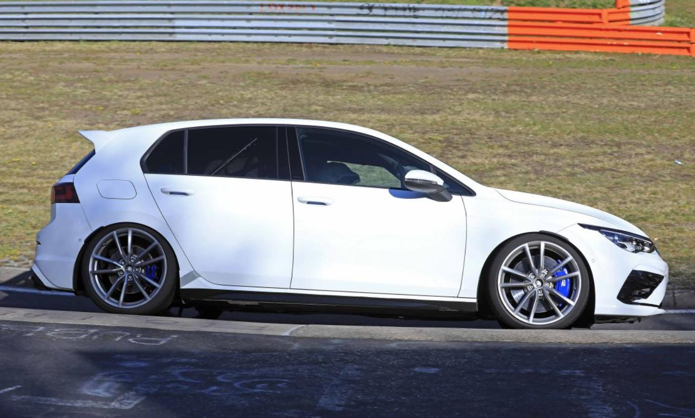 VW Golf R Mk8 profile