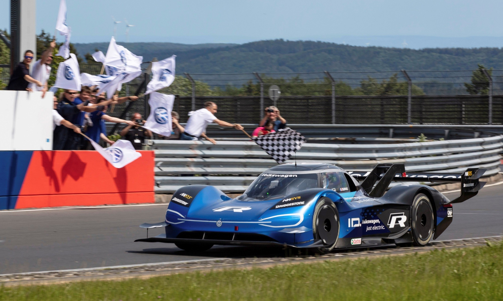 VW ID.R Nurburgring Record finish line