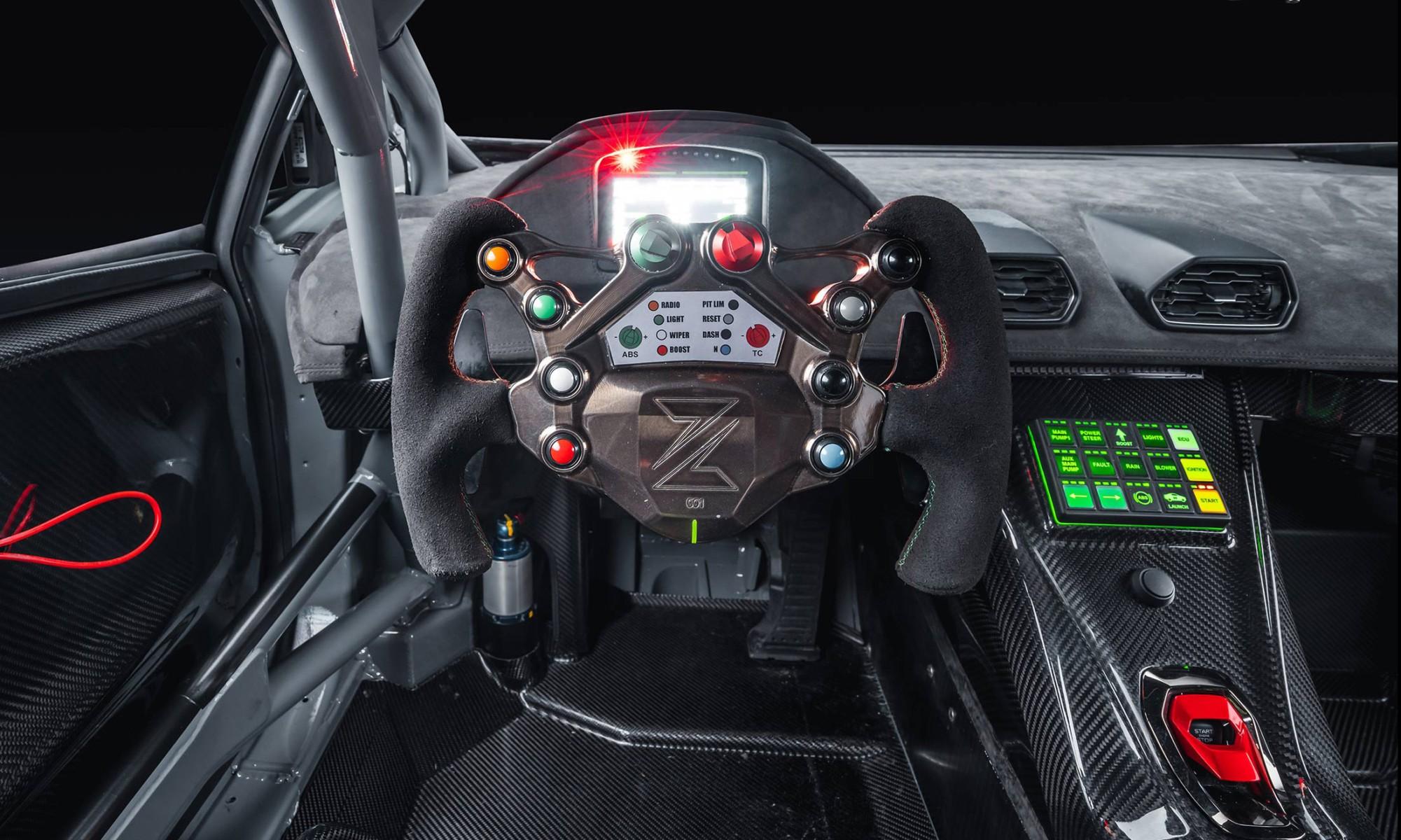 Zyrus Lamborghini LP1200 Huracan cabin